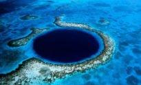 Büyük Mavi Delik